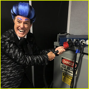 Stephen Colbert Hijacks Stage at RNC to Mock Donald Trump, All While Dressed as Caesar Flickerman