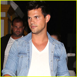 Taylor Lautner Has Night Out in LA After Comic-Con
