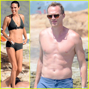 Jennifer Connelly & Paul Bettany Bare Beach Bodies in Spain!
