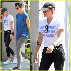 Kristen Stewart & Girlfriend Alicia Cargile Grab an Early Lunch
