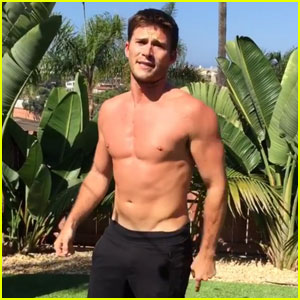 Scott Eastwood Goes Shirtless For 22 Push-Up Challenge