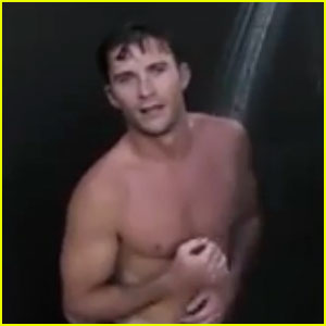 Scott Eastwood Takes Fans Into the Shower with 360˚ Video!