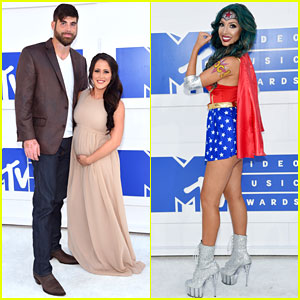 Teen Mom's Jenelle Evans Debuts Baby Bump at MTV VMAs 2016