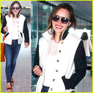 Emilia Clarke Heads to Los Angeles for Emmys 2016!
