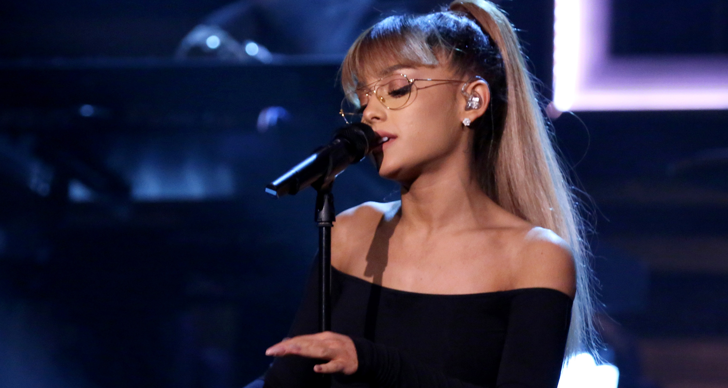 ariana grande performs jason s song gave it away for