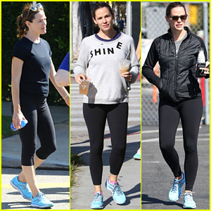 Jennifer Garner Spends Her Whole Weekend in Her Sneakers!