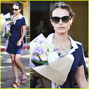 Jordana Brewster Buys a Bouquet of Flowers While Out in LA