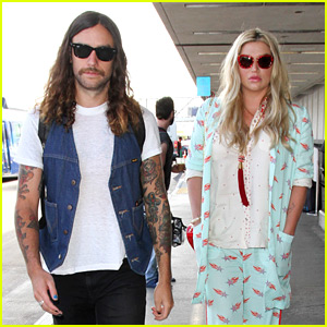 Kesha Jets Off to Ohio with Boyfriend Brad Ashenfelter