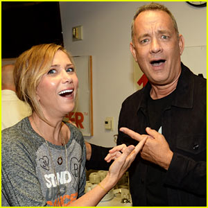Kristen Wiig & Tom Hanks Show Their Support at the Stand Up to Cancer Telecast!