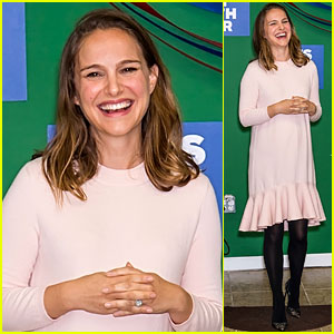 Natalie Portman Campaigns for Hillary Clinton in Pennsylvania!