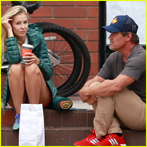 Newlyweds Josh Brolin & Kathryn Boyd Take a Coffee Break Together