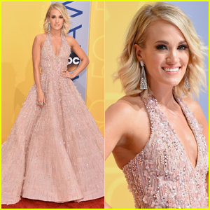 Carrie Underwood Stuns in Her First Outfit at the CMA Awards 2016