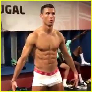VIDEO: Cristiano Ronaldo Wears Just His Underwear for Mannequin Challenge in Locker Room!