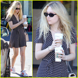 Dakota Fanning Says 'Suns Out, Buns Out!': Photo 3641553 | Dakota ...