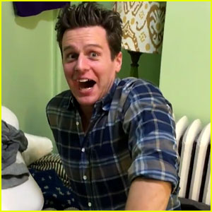 VIDEO: Jonathan Groff's Reaction to Hearing Sia Sing 'Hamilton' is Priceless!