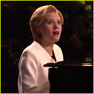 VIDEO: Kate McKinnon's Hillary Clinton Performs Leonard Cohen's 'Hallelujah' on 'SNL'