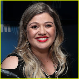 Kelly Clarkson Teases New Album, Reveals a Timeline