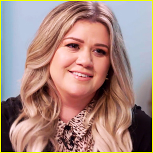 video kelly clarkson was not supposed to announce second pregnancy at concert