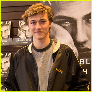 Lucky Blue Smith Shares Shirtless Selfie With Girlfriend Stormi Bree!