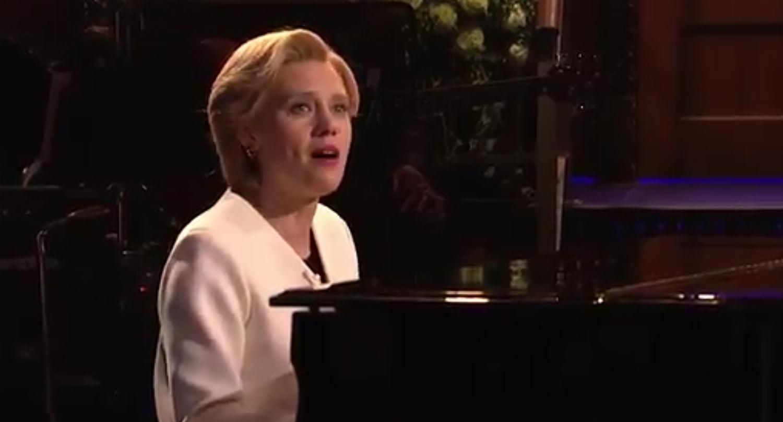 VIDEO: Kate McKinnon's Hillary Clinton Performs Leonard