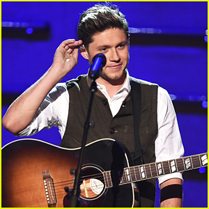 Enjoyable Video Niall Horan Performs This Town At Amas 2016 2016 Amas Hairstyles For Men Maxibearus