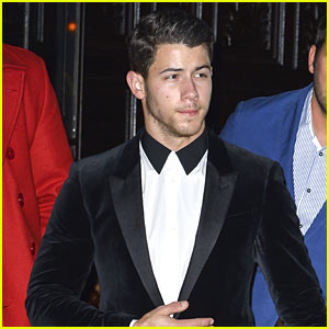 Nick Jonas Heads to UFC 205 Fight Wearing a Tuxedo!