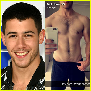 Nick Jonas' New Shirtless Selfie Needs to Be Seen!