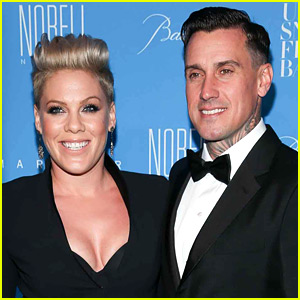 Pink is Pregnant, Shares Photo of Her Baby Bump!