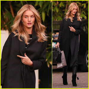 Rosie Huntington-Whiteley Stuns as She Wears Little Makeup in WeHo