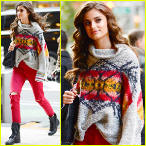 Taylor Hill Heads to a Victoria's Secret Fashion Show Fitting!