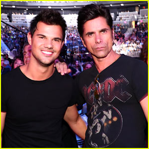 Taylor Lautner & John Stamos Say They Have 'Romantic Dinners' Together!