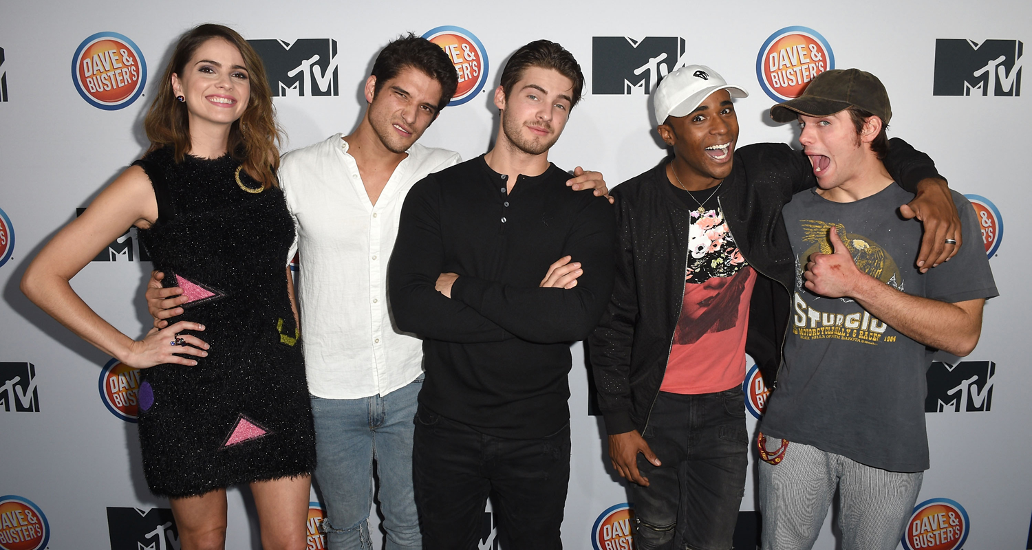 Tyler Posey & 'Teen Wolf' Cast Kick Off Their Final Season ...