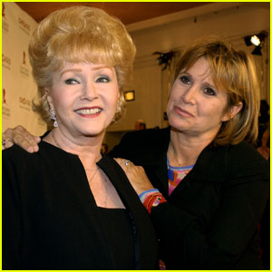 Carrie Fisher & Debbie Reynolds' Upcoming HBO Documentary 'Bright Lights' Is A 'Love Story'