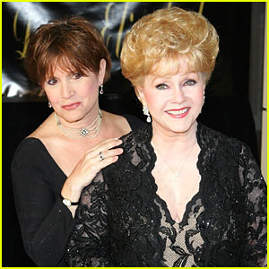 VIDEO: Debbie Reynolds & Carrie Fisher Once Sang Duet About 'Happy Days'