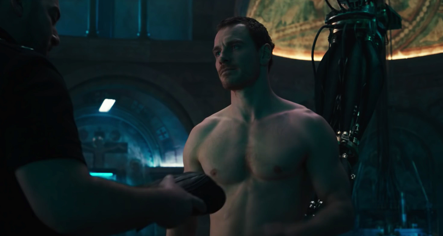Video Michael Fassbender Goes Shirtless In New Assassin S Creed