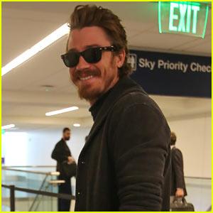 Garrett Hedlund is All Smiles Arriving at LAX