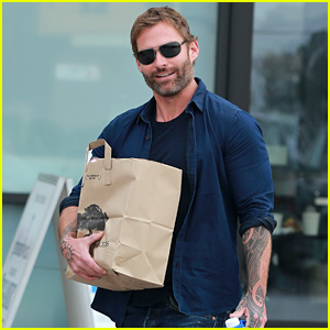 Here's What Seann William Scott is Up To These Days!