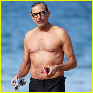 Jeff Goldblum Goes Shirtless in Hawaii with Pregnant Wife Emilie Livingston!