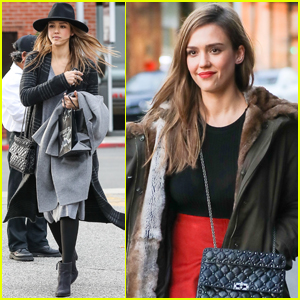 Jessica Alba Gives Some Holiday Gift Suggestions