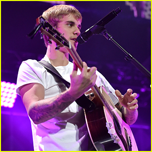 VIDEO: Justin Bieber Covers Tracy Chapman's 'Fast Car' at Jingle Ball LA 2016