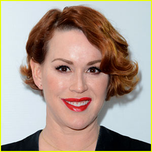 Molly Ringwald is Playing Archie's Mom on New CW Series!
