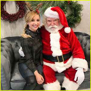 Sarah Michelle Gellar Is On Santa's Nice List This Year