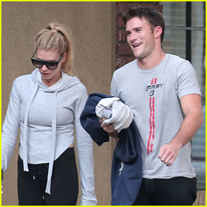 Scott Eastwood & Charlotte McKinney Work On Their Fit Bodies Together!