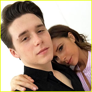 Victoria & Brooklyn Beckham Take a Picture Perfect Selfie!