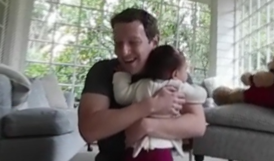 Mark Zuckerberg Shows Daughter Max's First Steps in Facebook