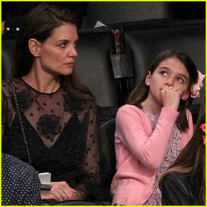 Katie Holmes & Daughter Suri Catch the Lakers Game!