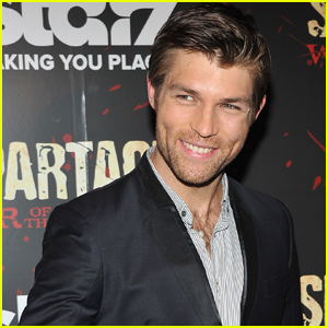 Liam McIntyre Tweets His Account From Ft. Lauderdale Airport Shooting