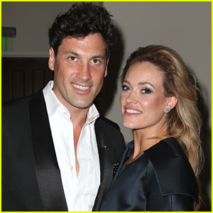 Maksim Chmerkovskiy Posts Pic of Pregnant Peta Murgatroyd in Hospital Ahead of Baby's Birth!