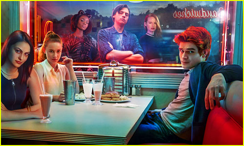 'Riverdale' Cast - Who Plays Archie, Jughead, & More in New CW Show?