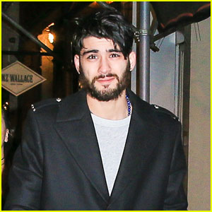 Zayn Malik Strolls Around NYC With Some Major Facial Scruff
